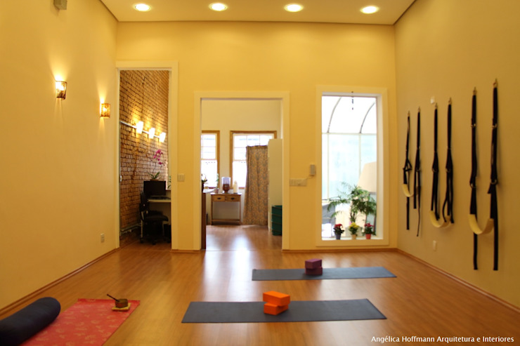 Cliniche in stile eclettico di Angelica Hoffmann Arquitetura e Interiores Eclettico