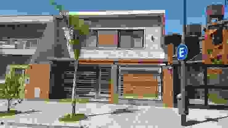 Arquitecto Oscar Alvarez Modern houses