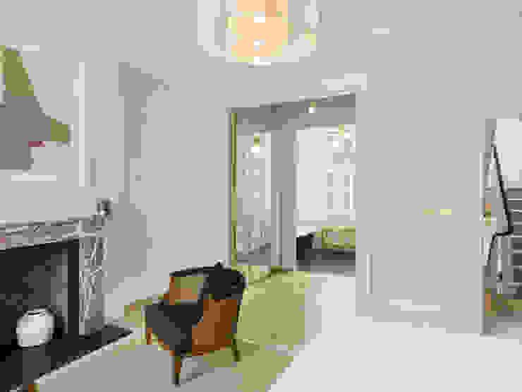 View form bedroom to dressing room and bathroom beyond. Kamar Tidur Gaya Eklektik Oleh Gundry & Ducker Architecture Eklektik