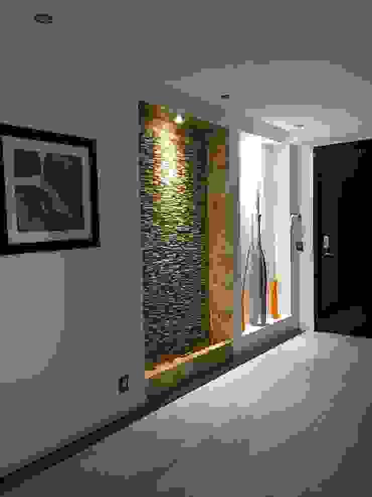 Acabados Pasillos, vestíbulos y escaleras modernos de Spazio3Design Moderno