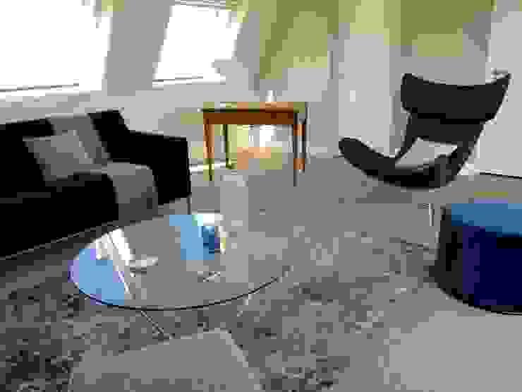 Pied à terre parisien entièrement re-décoré Catherine Plumet Interiors Salon moderne
