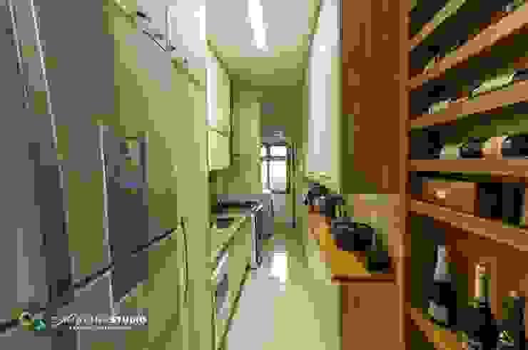 Cocinas de estilo rústico de Camarina Studio Rústico