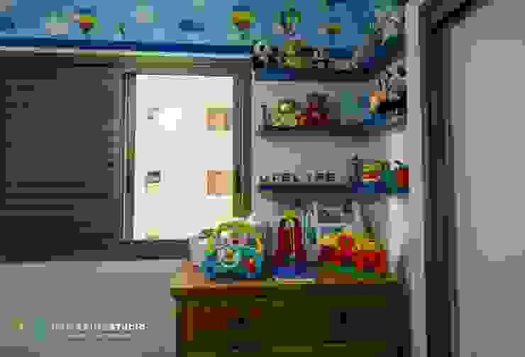 Habitaciones para niños de estilo rústico de Camarina Studio Rústico