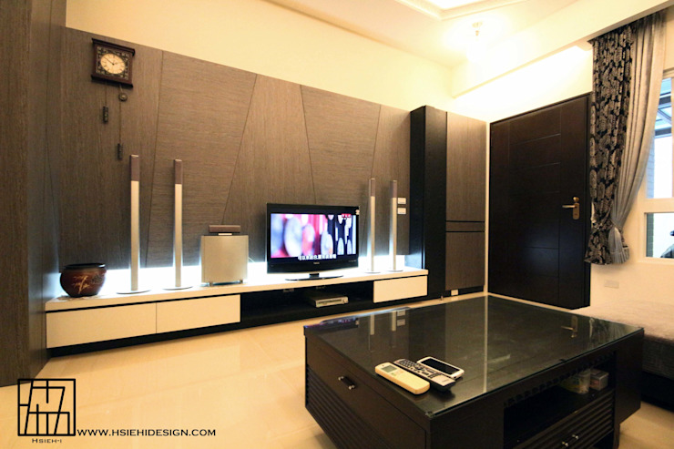 客廳 现代客厅設計點子、靈感 & 圖片 根據 協億室內設計有限公司 現代風