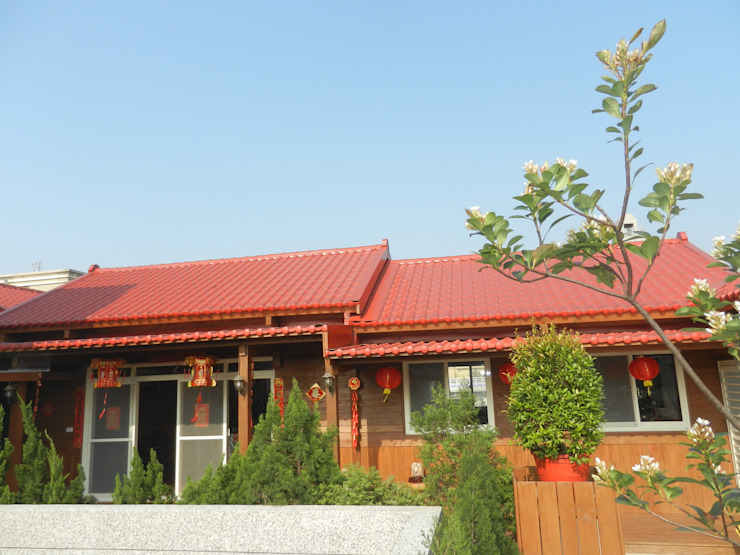 木屋 琉璃鋼瓦屋頂面 根據 山田小草木作場 田園風 金屬