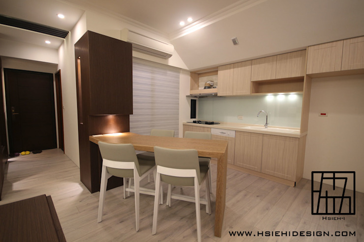 Cucina moderna di 協億室內設計有限公司 Moderno