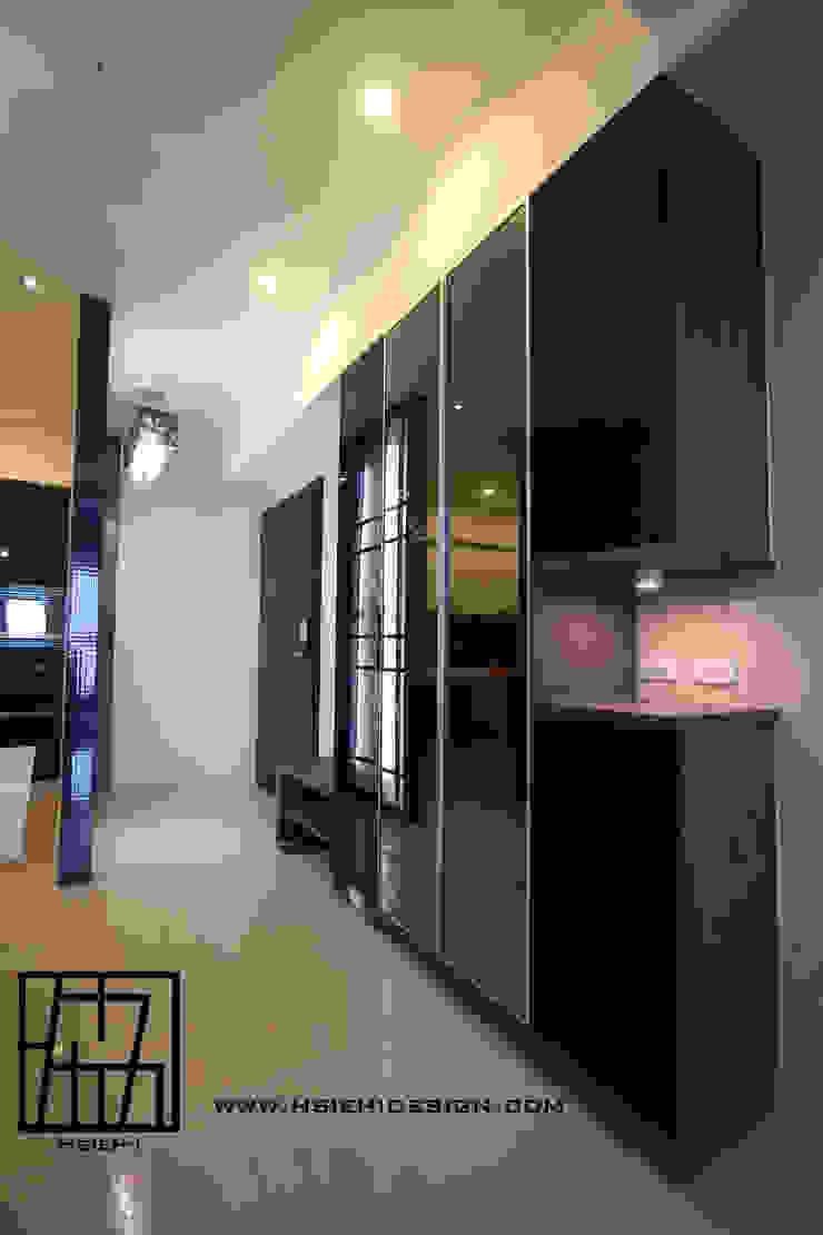 玄關鞋櫃 現代風玄關、走廊與階梯 根據 協億室內設計有限公司 現代風