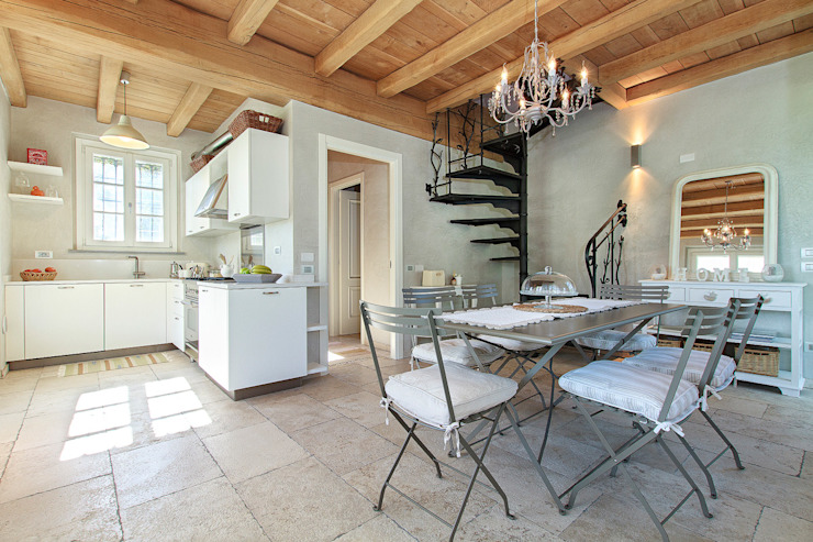 Stefano Pedroni Rustic style dining room