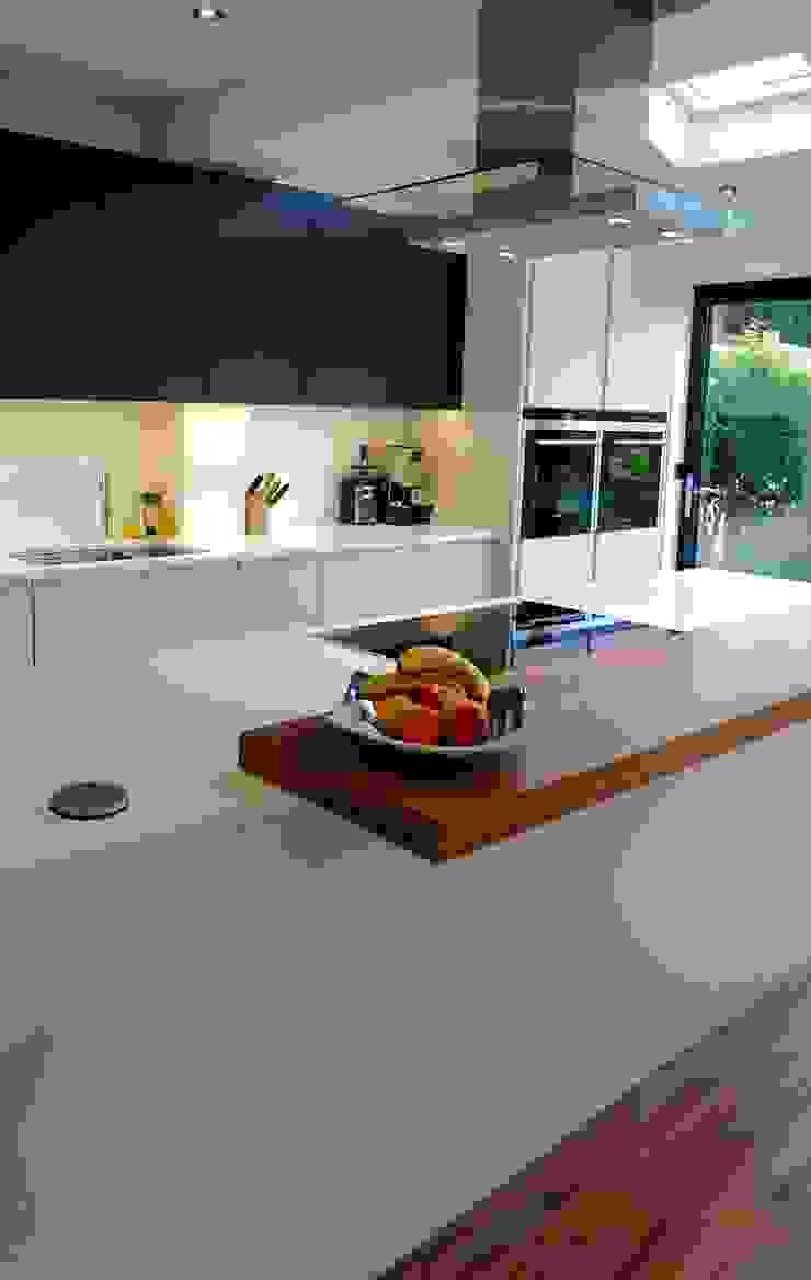 Kitchen Morley Grove Kitchens Кухня Сірий