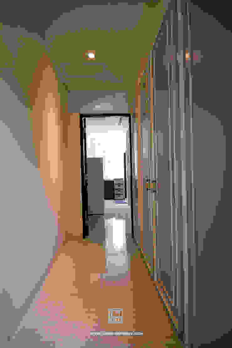 廊道隱藏更衣室 乡村风格的走廊,走廊和楼梯 根據 協億室內設計有限公司 鄉村風