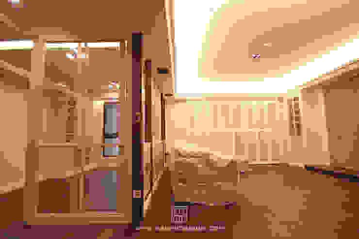客廳與書房 根據 協億室內設計有限公司 古典風