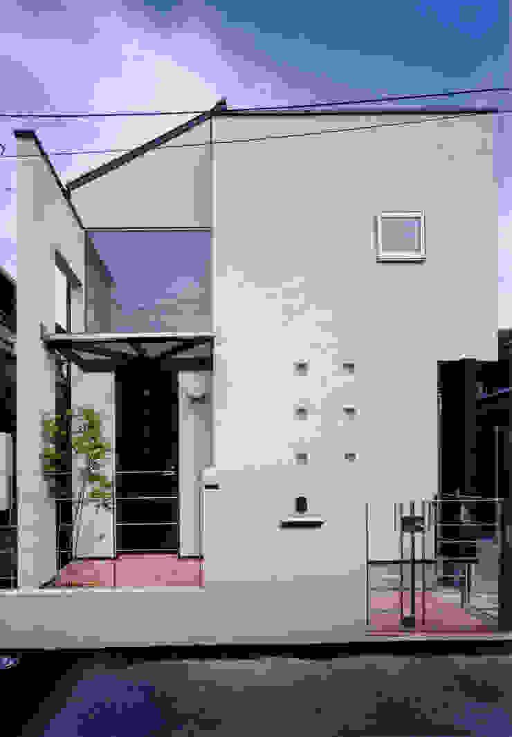 豊田空間デザイン室 一級建築士事務所 Casas de estilo moderno Madera maciza Blanco