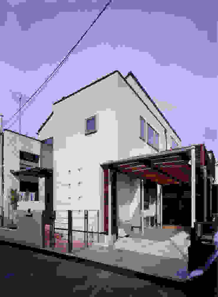 豊田空間デザイン室 一級建築士事務所 Casas de estilo moderno Blanco