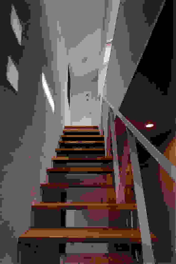 豊田空間デザイン室 一級建築士事務所 Pasillos, vestíbulos y escaleras de estilo moderno