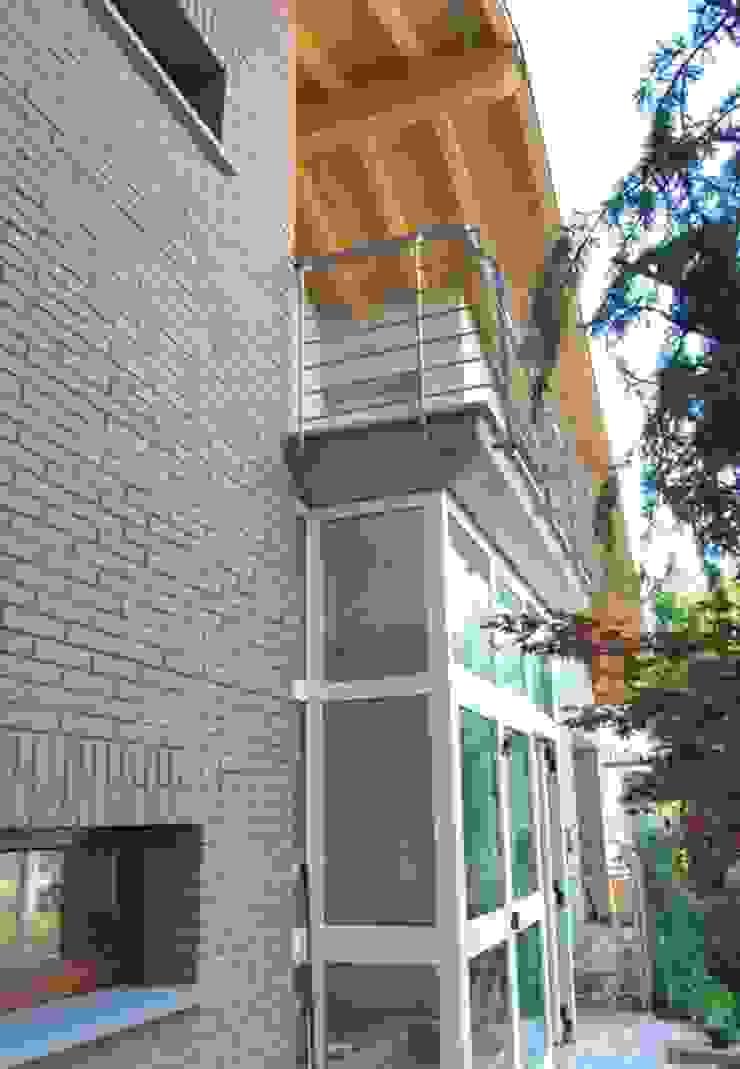 Il fronte principale rinnovato [particolare] di Studio d'Architettura TAUNISIO Eclettico