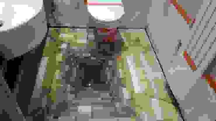 głębia w łazience, żywica efekt 3d Nowoczesna łazienka od homify Nowoczesny