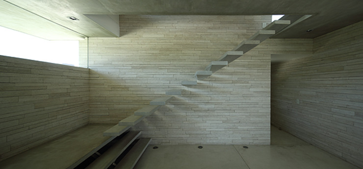 by Enrique Barberis Arquitecto Minimalist Stone