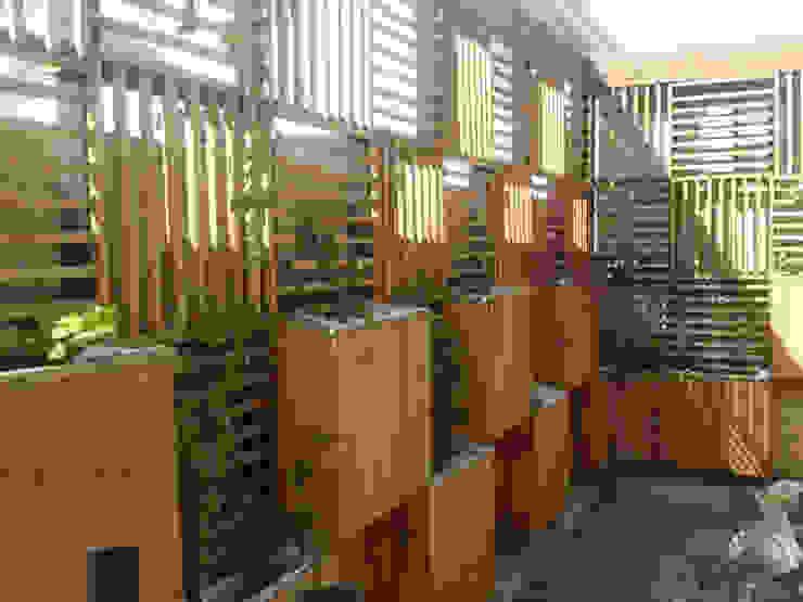 Quincho Domo + Paisajismo Casas de estilo rústico de DOMOTERRA LIMITADA Rústico Madera Acabado en madera