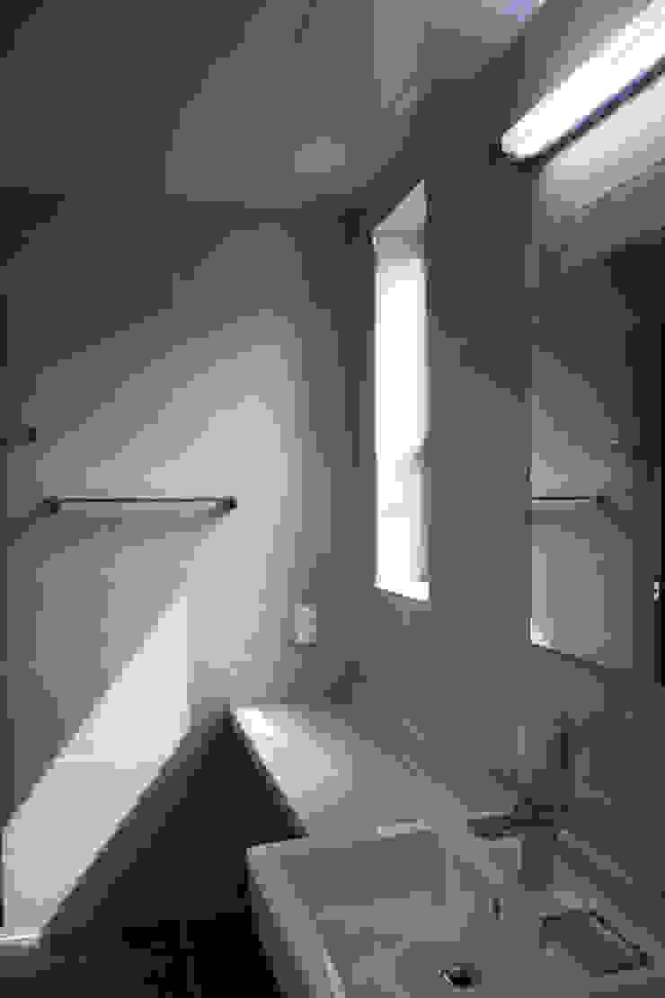 청유재 모던스타일 욕실 by 디자인랩 소소 건축사사무소 모던