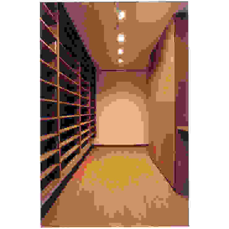 Oficinas de estilo ecléctico de 豊田空間デザイン室 一級建築士事務所 Ecléctico
