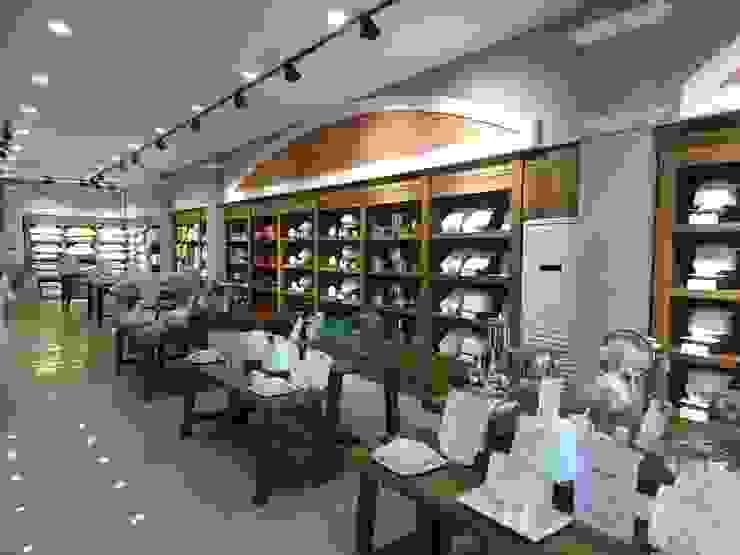 KARACA MAĞAZA Lux Tasarım Ofisi Ofisler ve Mağazalar