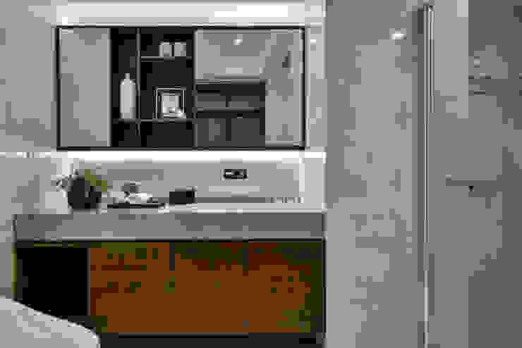 餘音繚繞 現代浴室設計點子、靈感&圖片 根據 沐朋設計 現代風