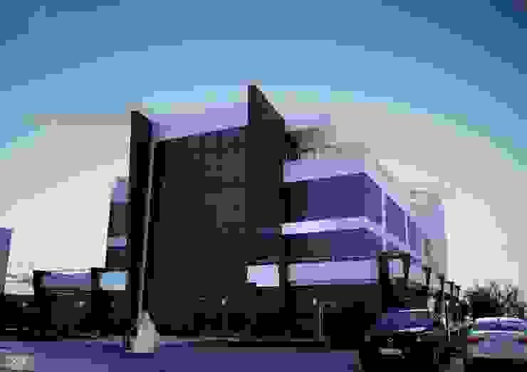 EXTERIOR DESIGN FOR ROSEBAY Modern Evler ROAS ARCHITECTURE 3D DESIGN AGENCY Modern