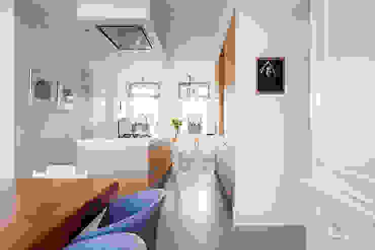 Keuken eiken hout gecombineerd met wit van Wood Creations