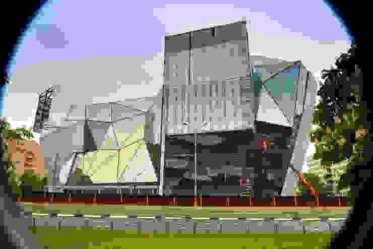 Palais des congrès modernes par Архитектурная Мастерская Георгия Пряничникова Moderne