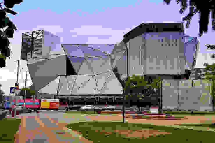 Centres commerciaux modernes par Архитектурная Мастерская Георгия Пряничникова Moderne