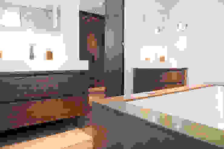 Badkamer landelijk strak van Wood Creations