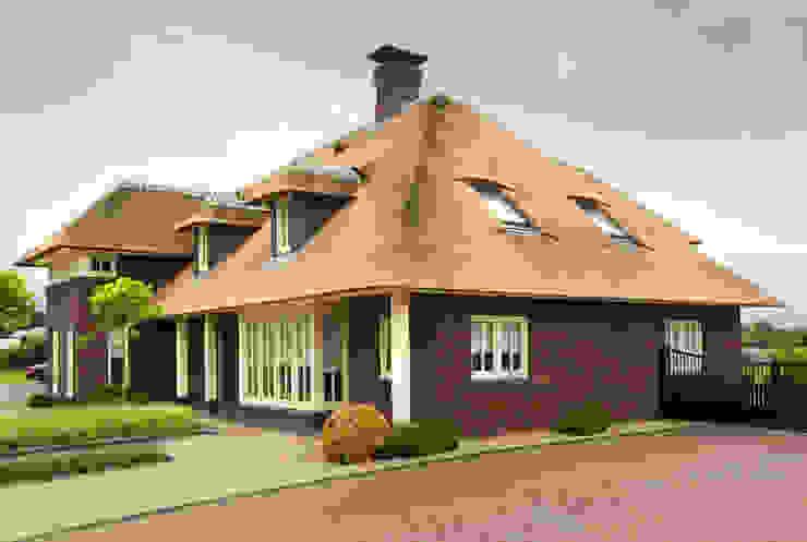 rietgedekte-villa-ontwerp van Arceau Architecten B.V.