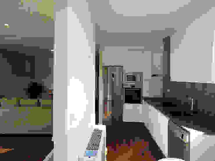 Modern kitchen by Casas Cube Modern