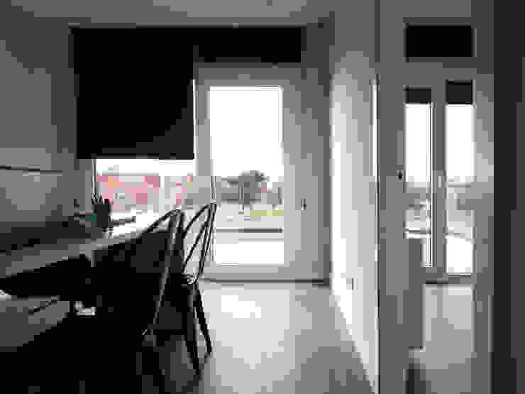 Modern study/office by Casas Cube Modern