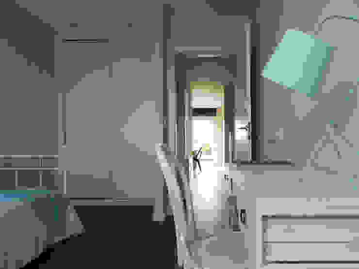 Modern style bedroom by Casas Cube Modern