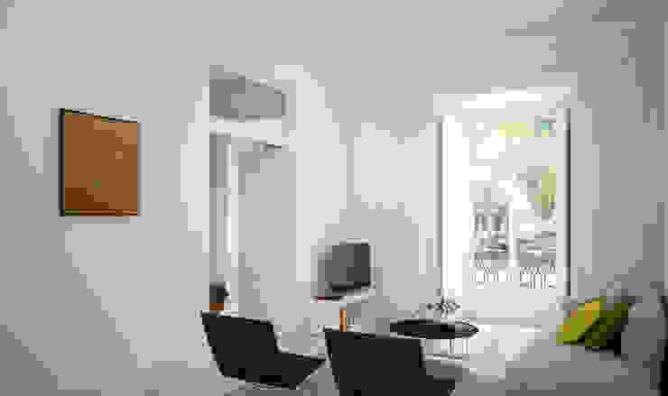 APARTAMENTO LUXO - T1 - AVENIDA DA LIBERDADE Salas de estar modernas por EU LISBOA Moderno