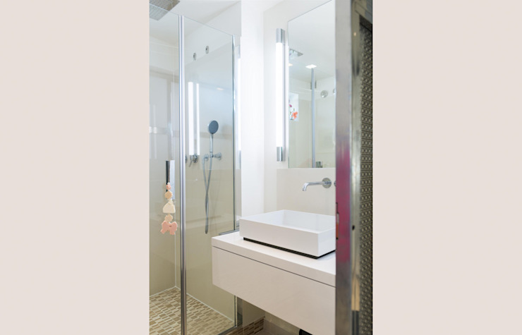 ATELIER FB Modern style bathrooms
