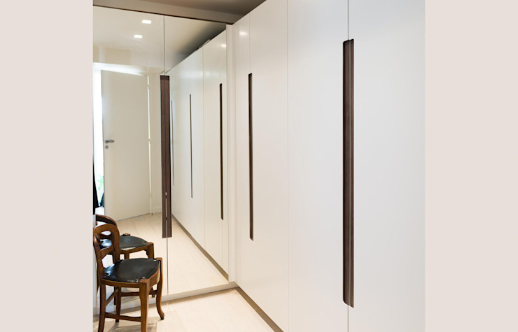 ATELIER FB Minimalist style dressing rooms