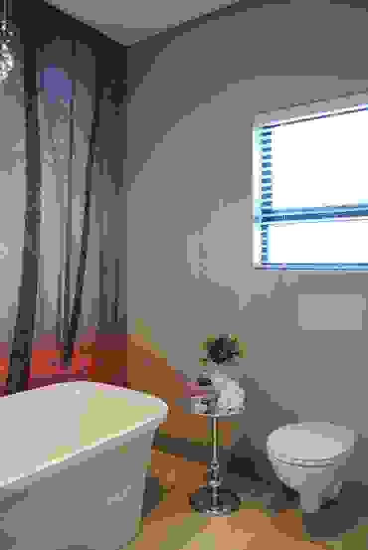Bathroom Salomé Knijnenburg Interiors Modern bathroom