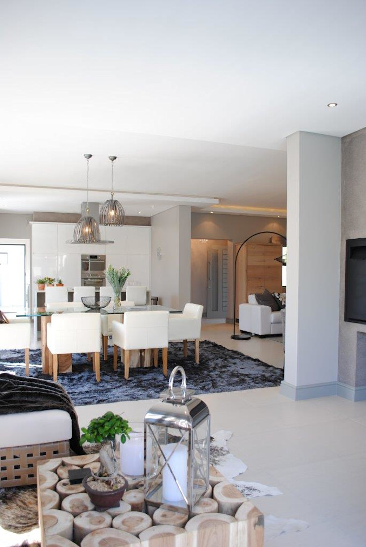 Open plan Salomé Knijnenburg Interiors Living room