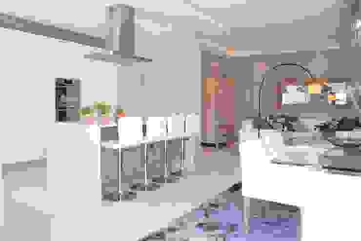 Dining room and kitchen Salomé Knijnenburg Interiors Kitchen