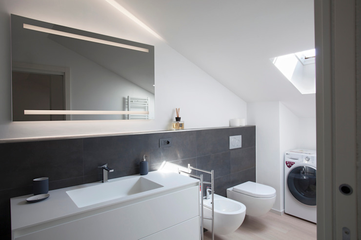 Studio Dalla Vecchia Architetti Baños de estilo moderno Azulejos Gris