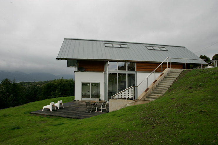 Long House Scandinavian style houses by Retool architecture Scandinavian Aluminium/Zinc