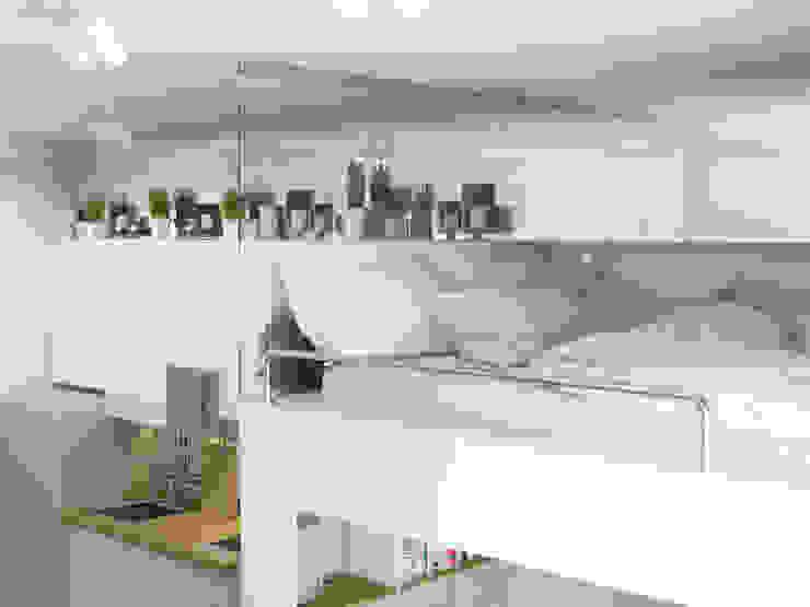 Dormitorios escandinavos de Ёрумдизайн Escandinavo Tablero DM