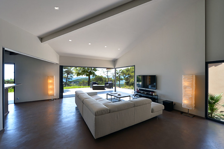 Mediterrane Wohnzimmer von Atelier Jean GOUZY Mediterran