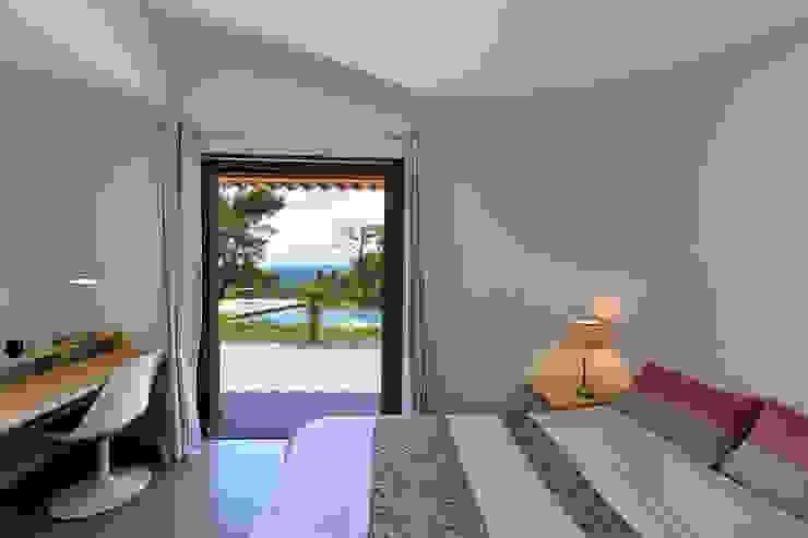 Mediterrane Schlafzimmer von Atelier Jean GOUZY Mediterran