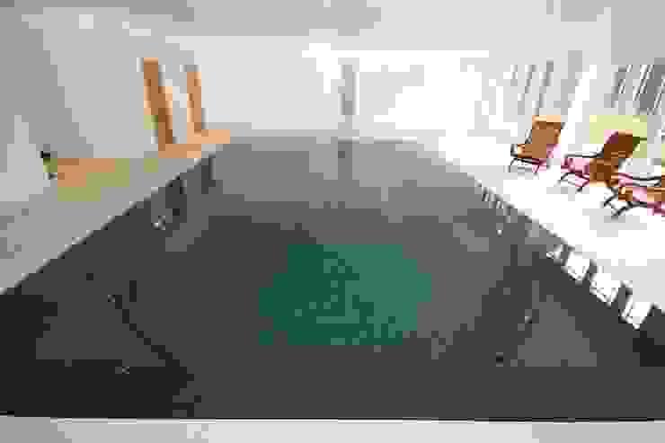 INDOOR POOL REFURBISHMENT No 4 من Tanby Swimming Pools حداثي البلاط
