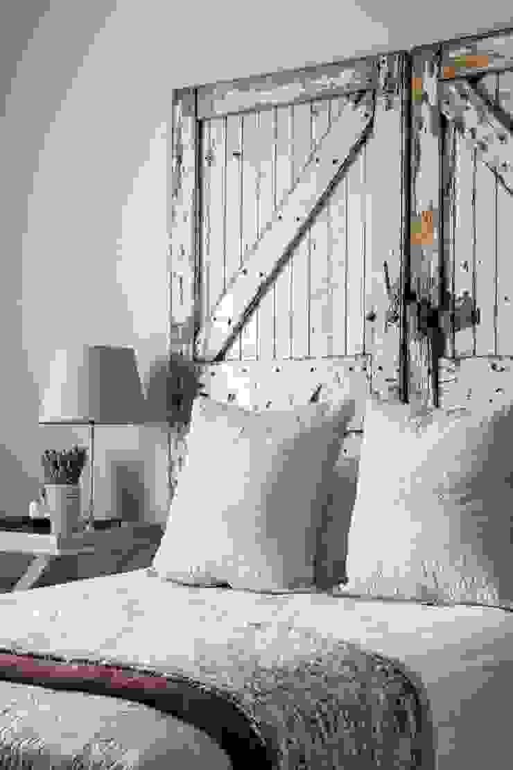 Guest bedroom Salomé Knijnenburg Interiors Classic style bedroom