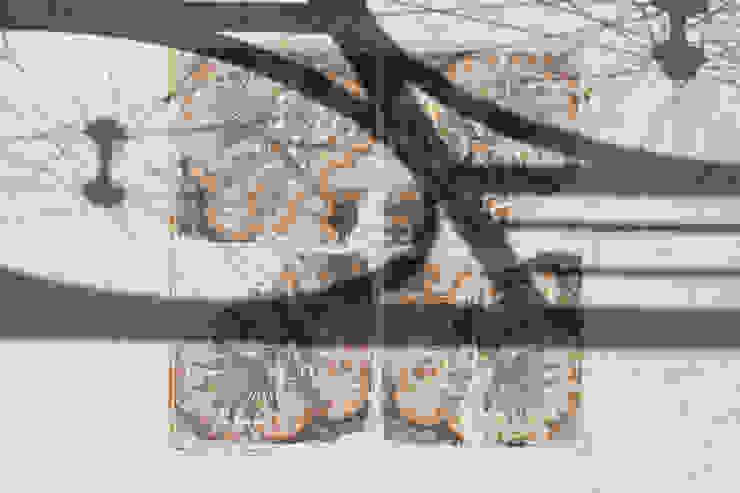 Studio Dalla Vecchia Architetti Balcones y terrazas industriales Azulejos Multicolor
