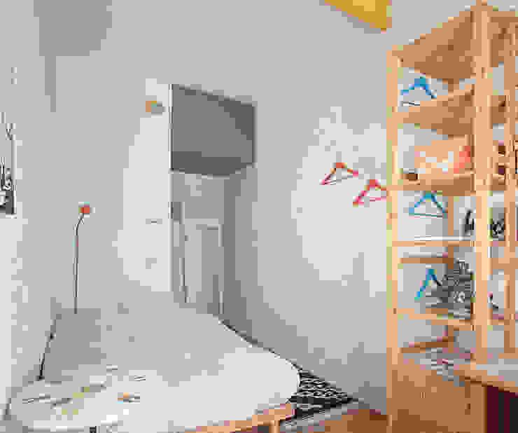 Studio Dalla Vecchia Architetti Dormitorios pequeños Hormigón Turquesa